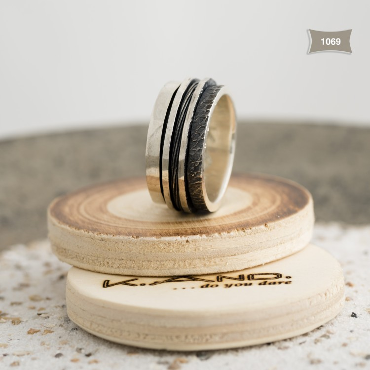 K.And ring 1069