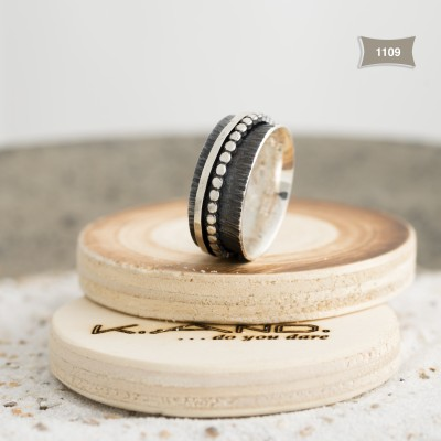 K.And ring 1109