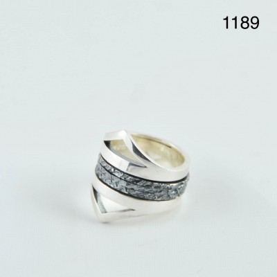 K.And ring 1189