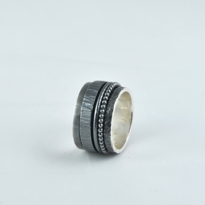 K.And ring 1102